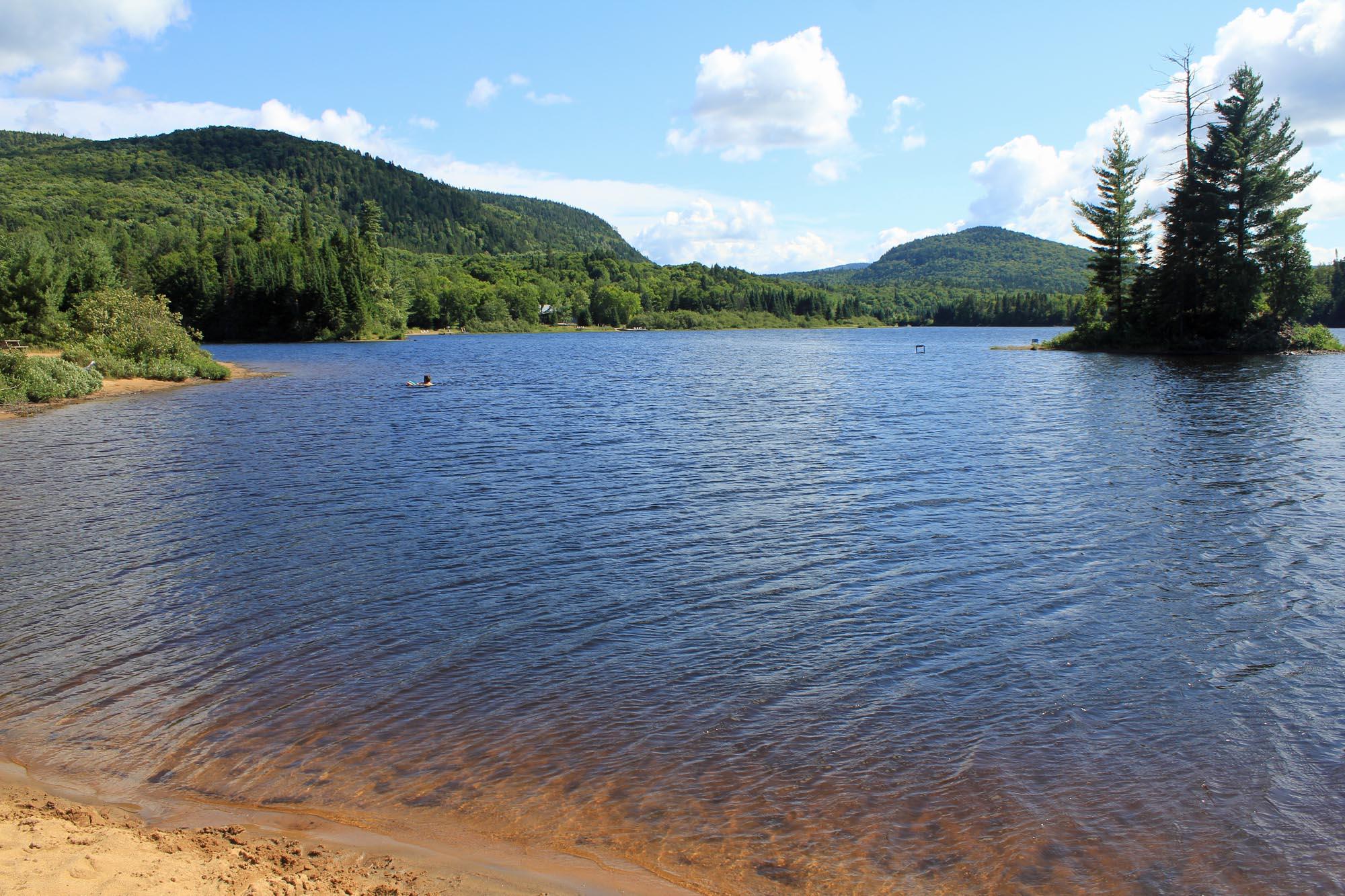 Lac monroe mont tremblant for Lac miroir mont tremblant