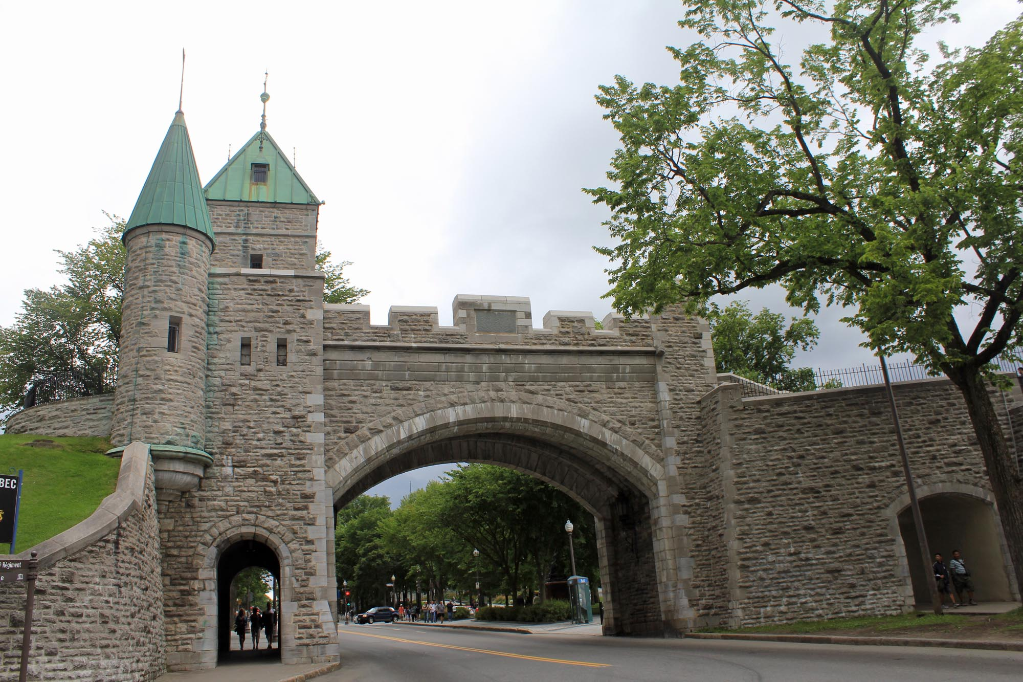Quebec City, Saint-Louis gate
