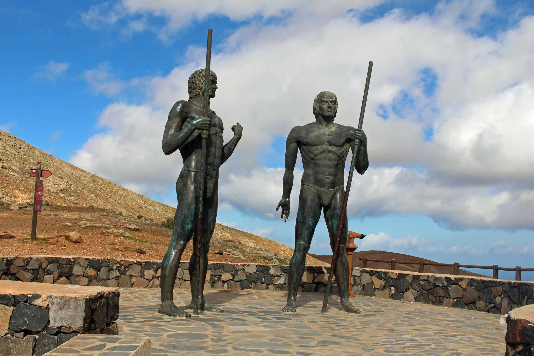 Statues géantes