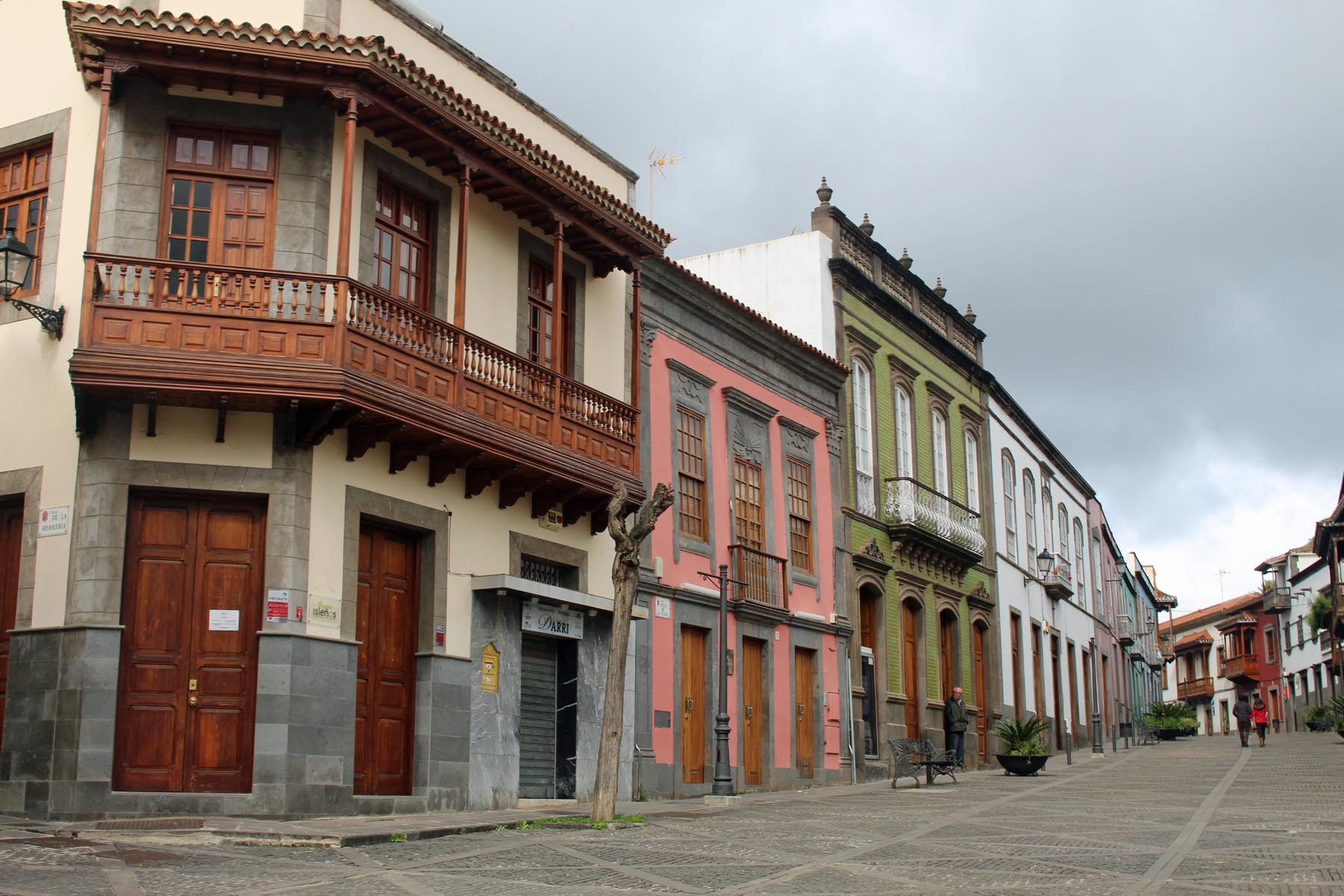 Grande Canarie, Teror, calle Real, maisons, balcons