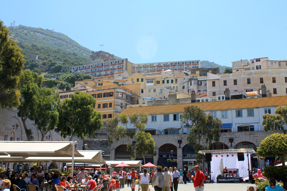 Gibraltar, Grand Casemates Square, shopping place