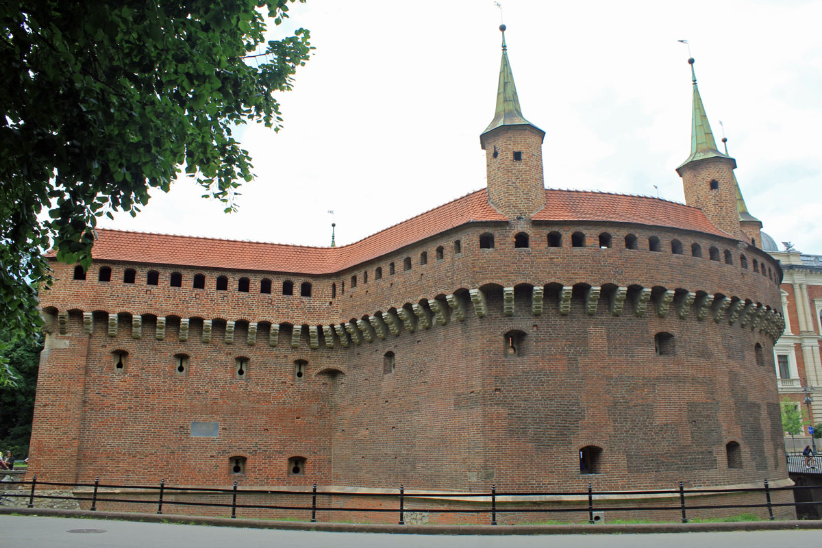 Krakow, Barbican, walls
