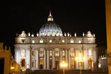 Basilique Saint-Pierre de nuit