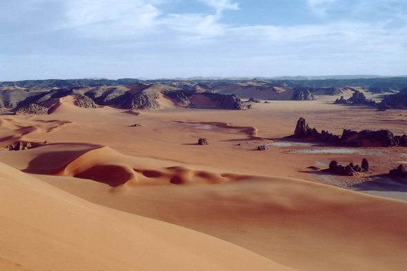 Tin Marzouga, dunes, rock