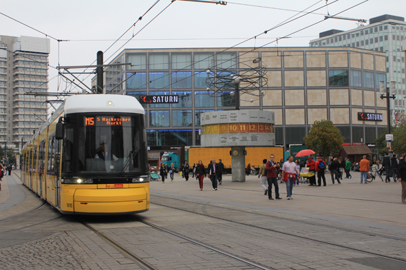The yellow tram of Berlin