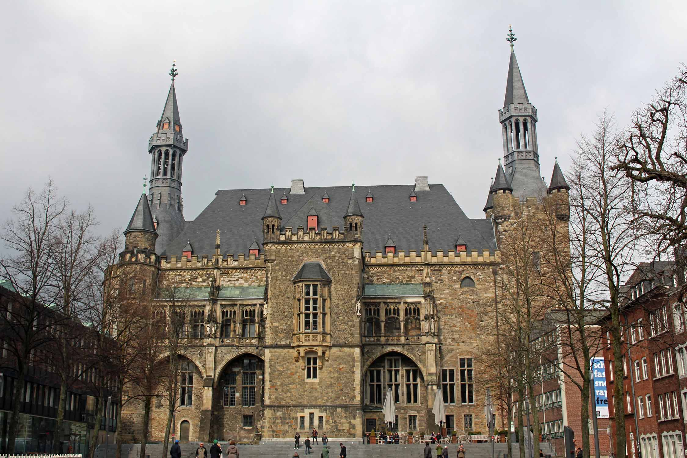 Aachen, Charlemagne's palace