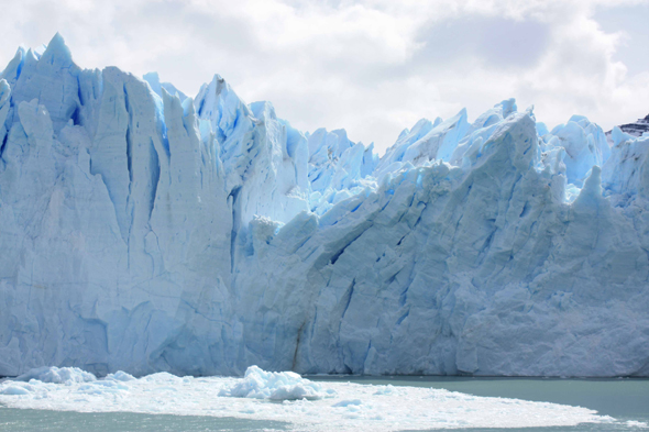Perito Moreno, blue color