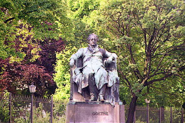 Vienna, the statue of Goethe