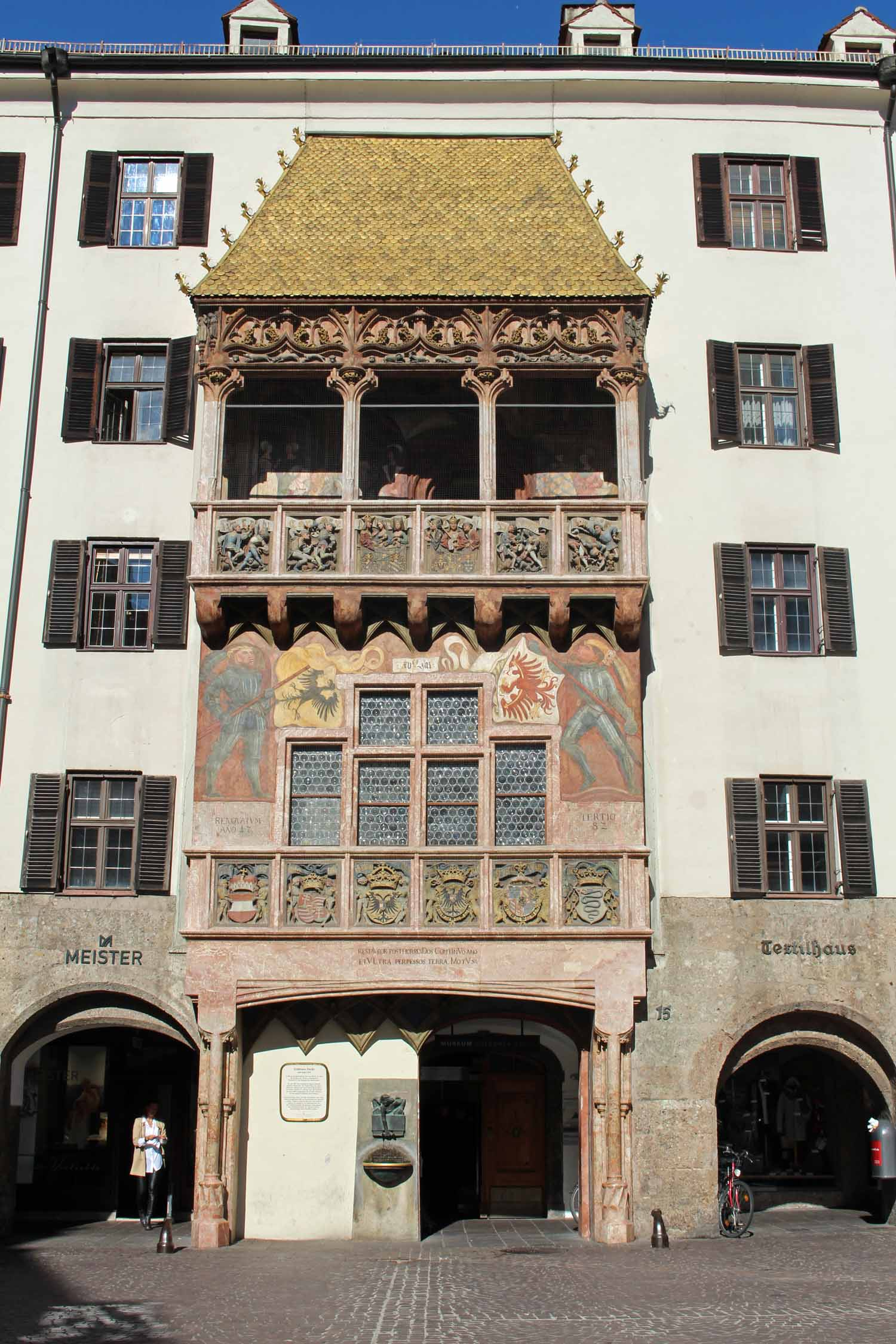 Goldenes Dachl, Small golden Roof
