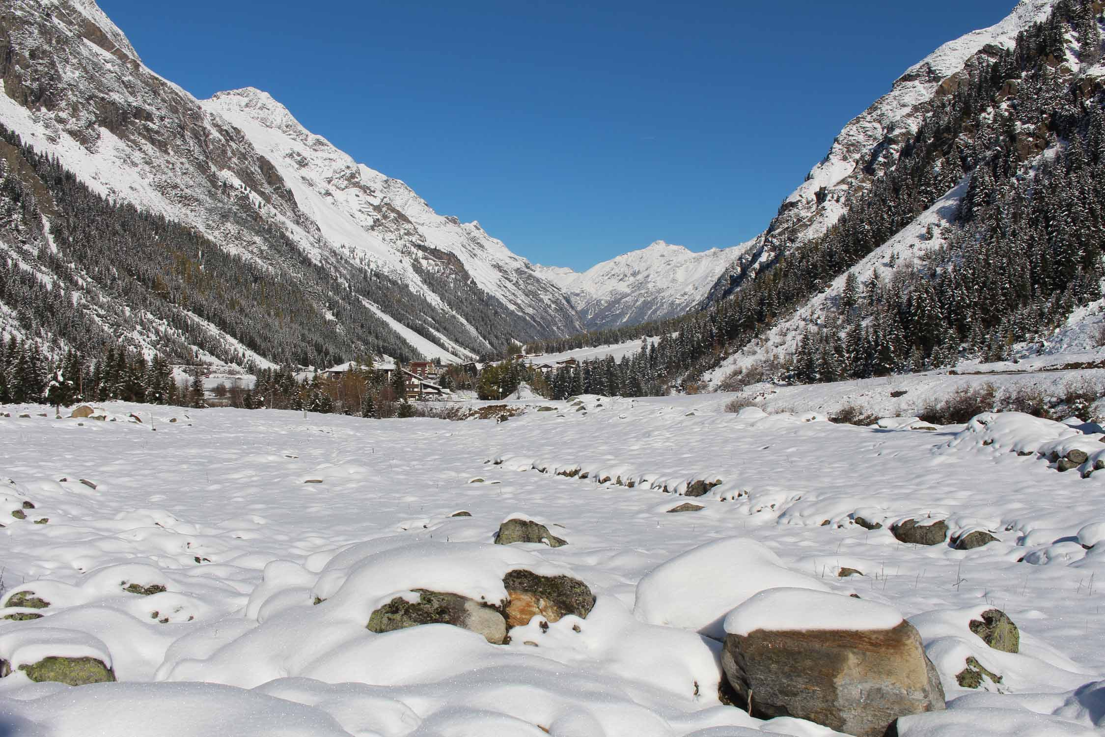 Tirol, landscape and snow near Mittelberg