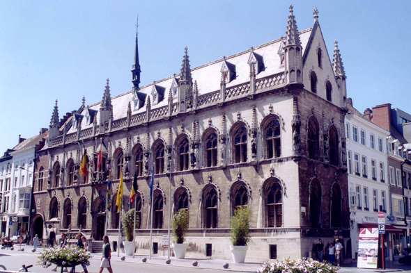 Kortrijk, Stadhuis or town hall