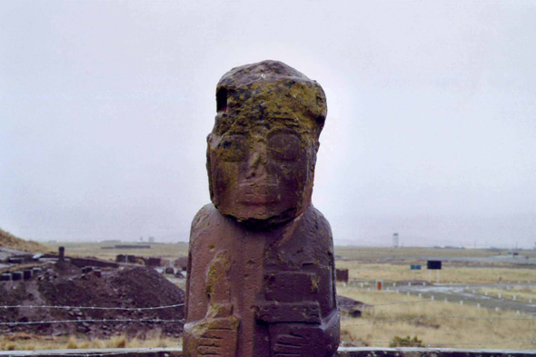 Tiahuanaco, statue anthropomorphe