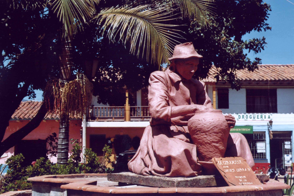 Raquirá estatua