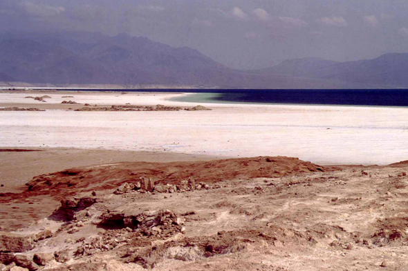 Lac Assal, cratère