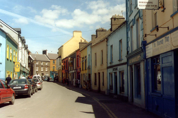 Dingle, coloured street