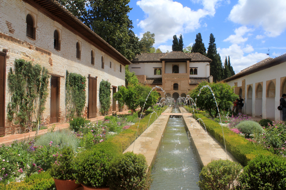 Patio de la Acequia, Generalife