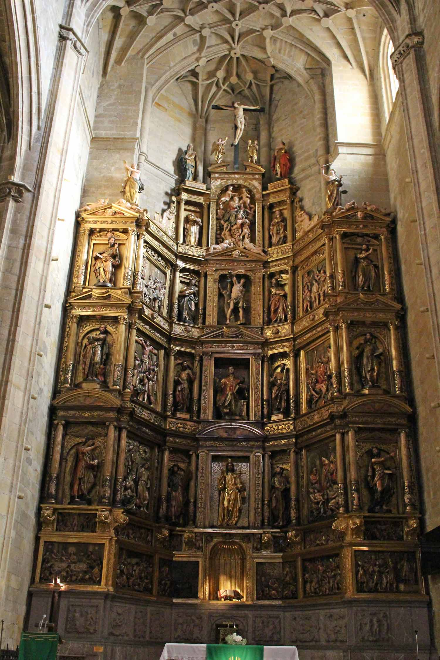 San Sebastián, church San Vicente, retable