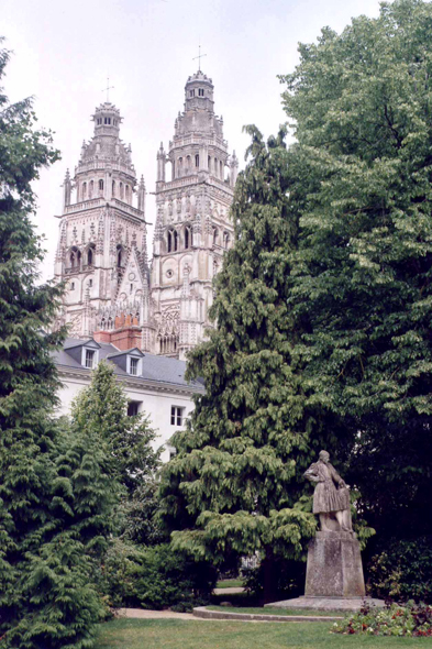 Tours, Saint-Gatien church