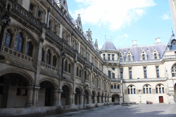 Pierrefonds, Picardía