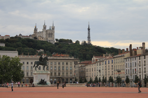 Lyon, Plaza Bellecour