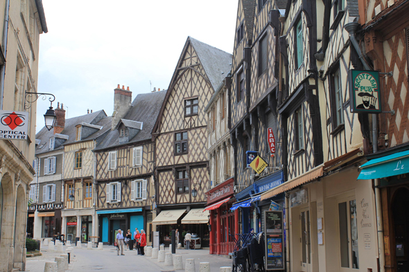 Gordaine square, Bourges