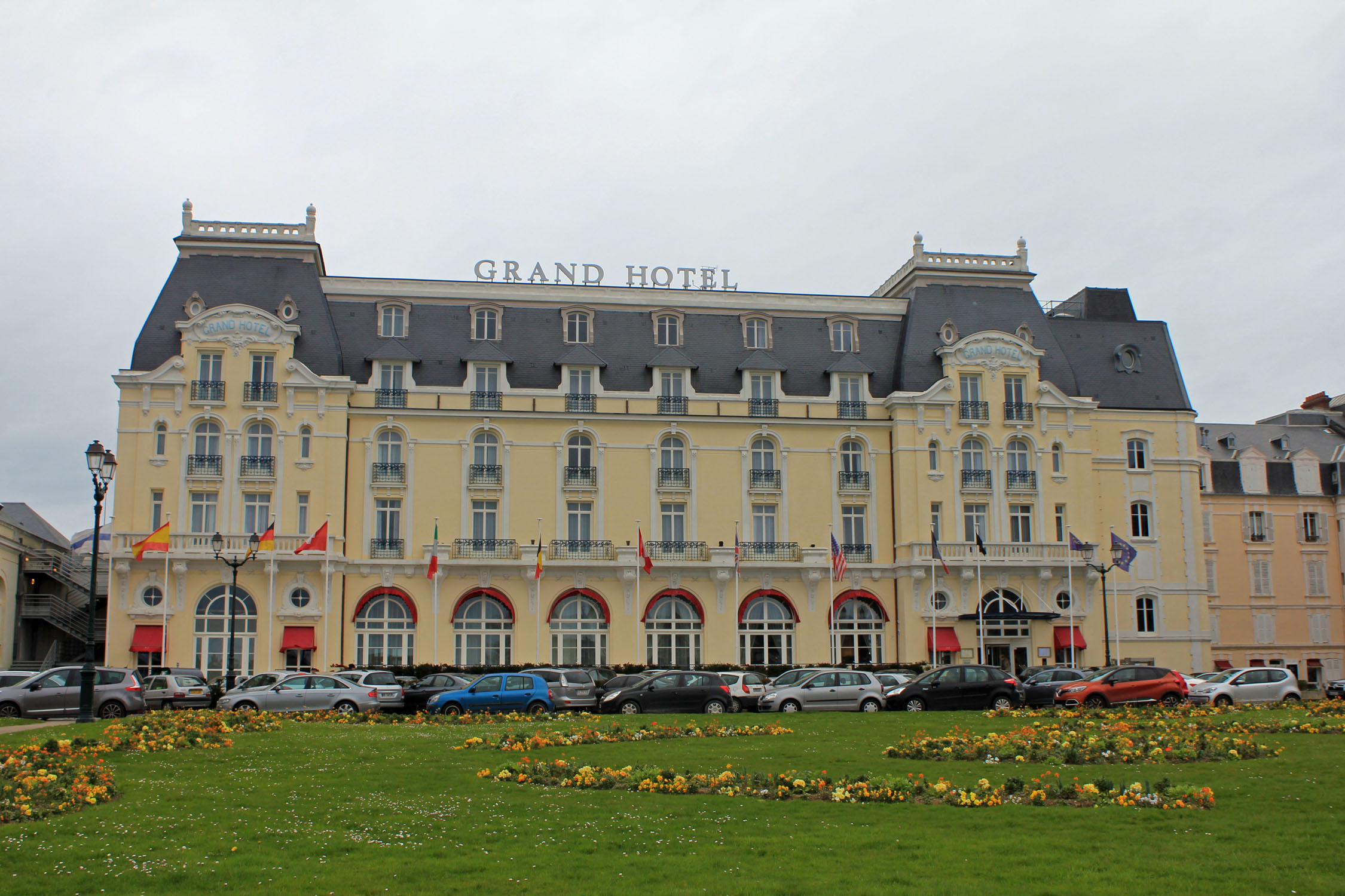 Cabourg casino hotel nitty poker definition