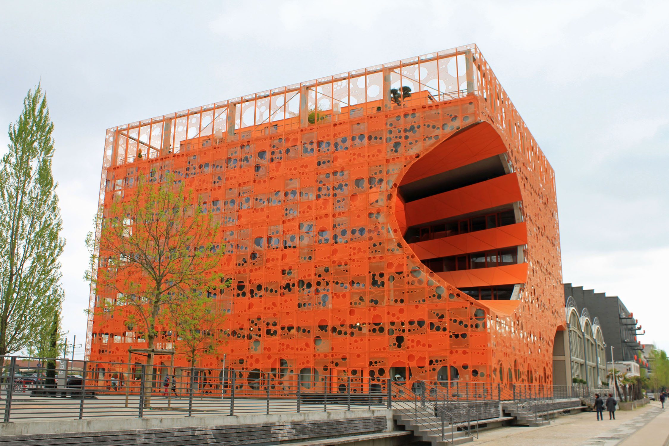 Lyon, barrio Confluence, Cube Orange