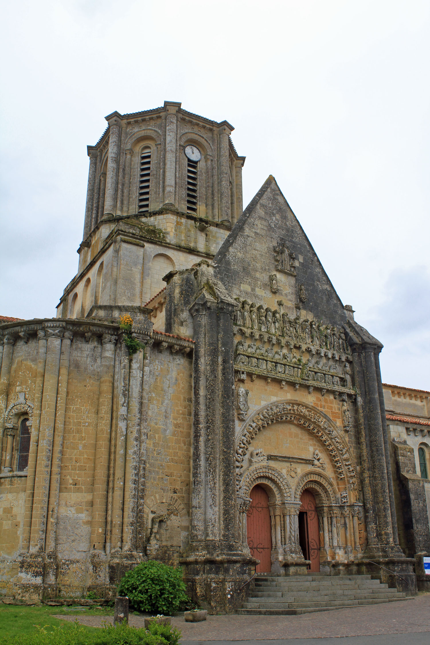 Vouvant, church