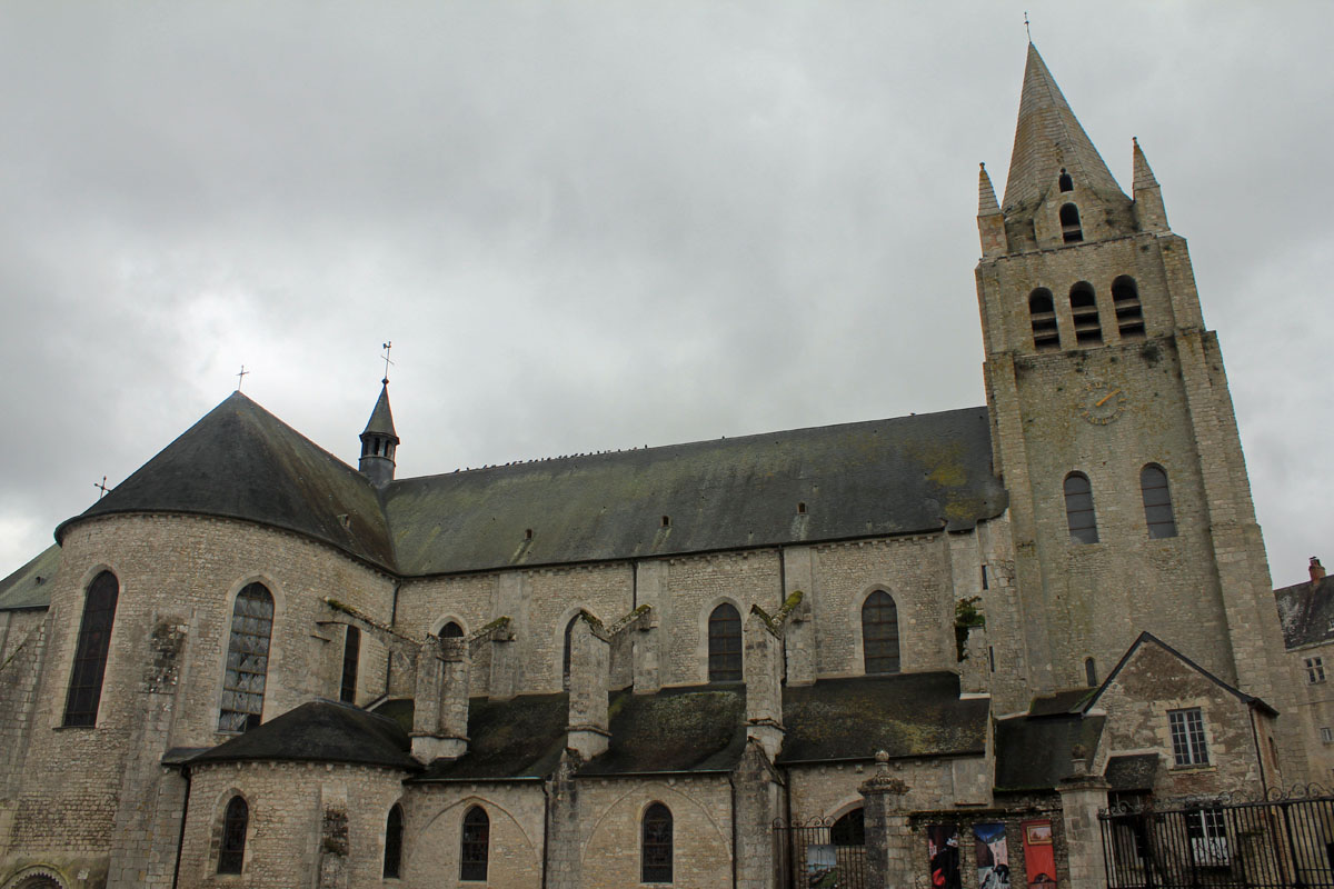 Meung-sur-Loire, St-Liphard church