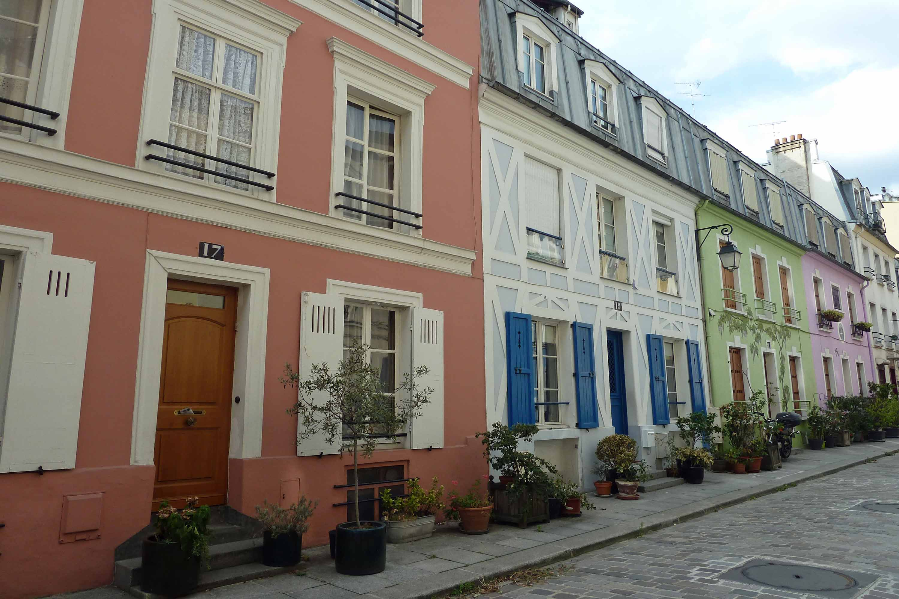 Paris, Crémieux street, coloured houses