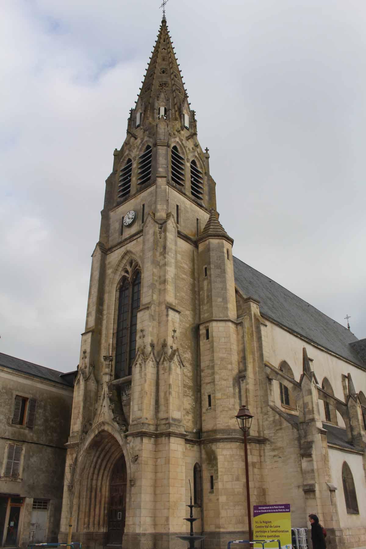 Argenton sur creuse saint sauveur church for Argenton sur creuse piscine