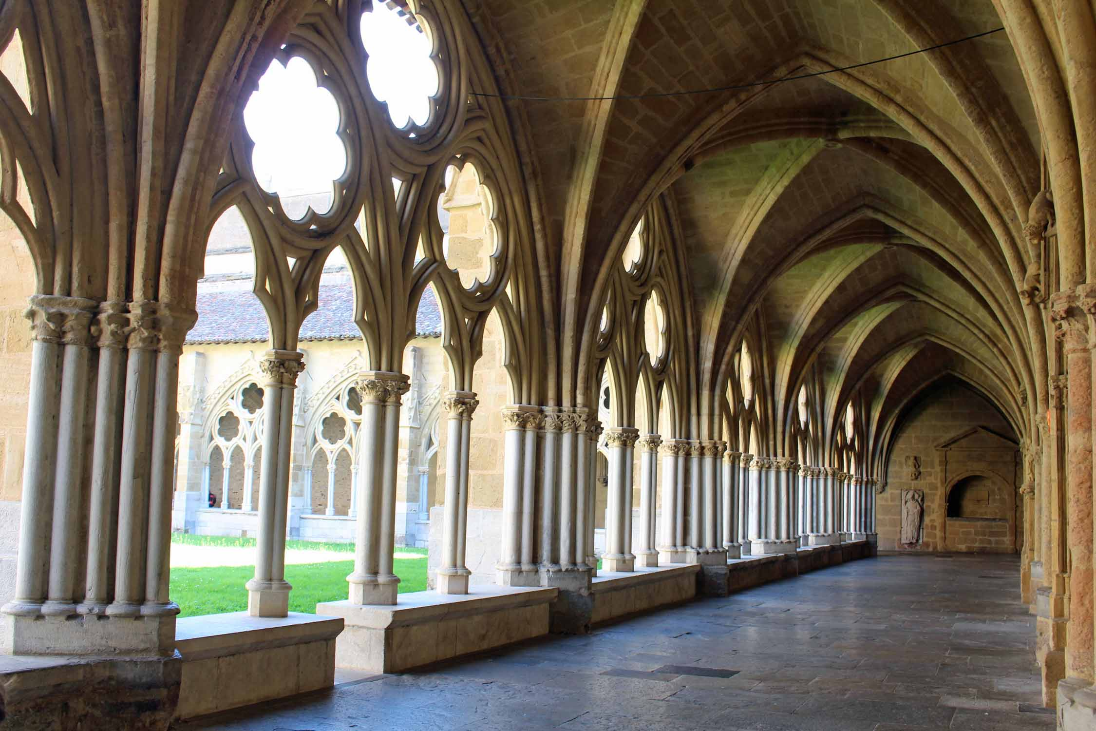 Bayonne, cloister, cathedral Sainte-Marie