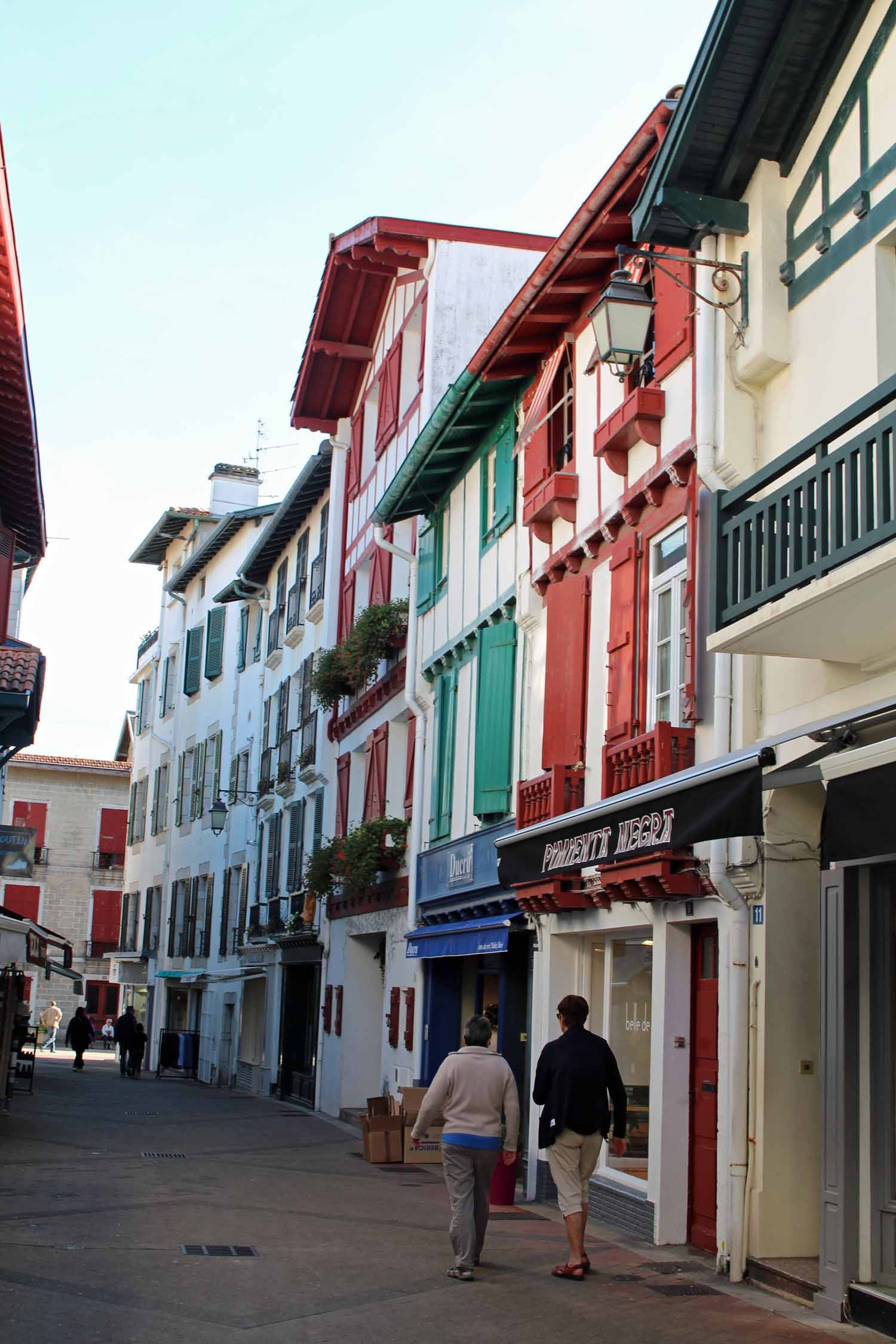 Saint-Jean-de-Luz, coloured houses