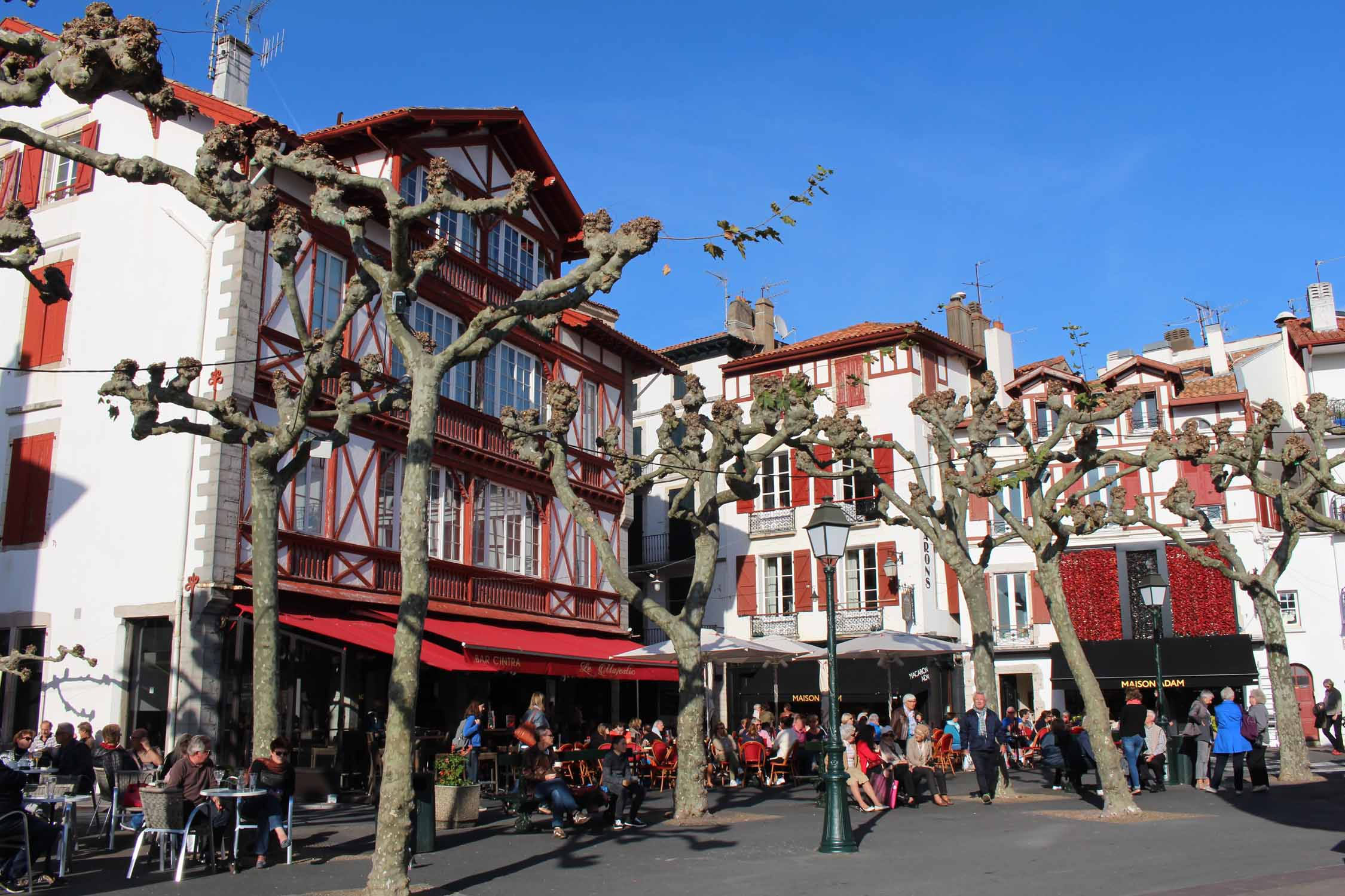 Saint-Jean-de-Luz, Louis XIV square, terrace