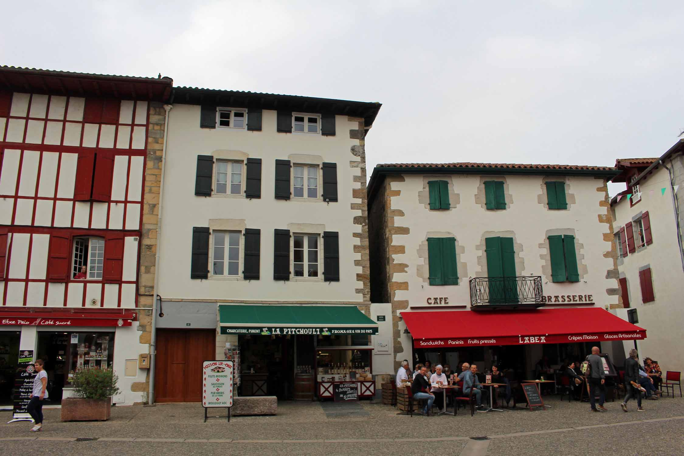 Espelette, basque houses