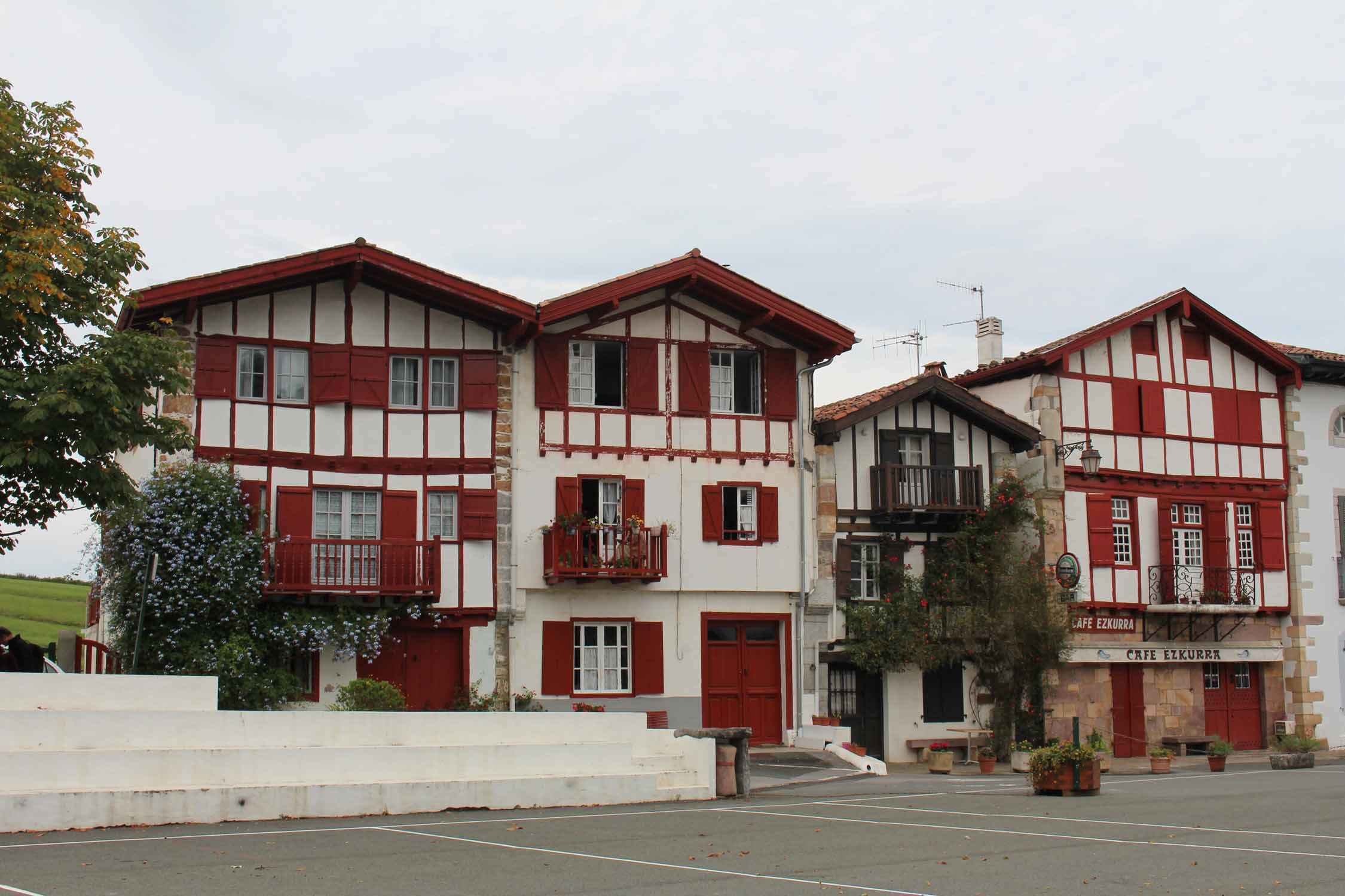 Ainhoa, basque houses