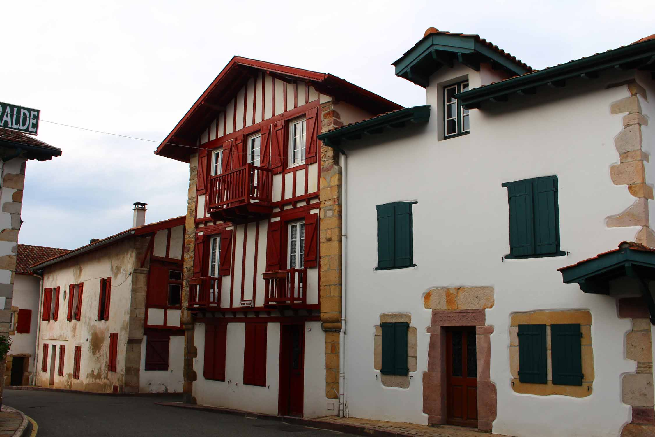 Ascain, basque houses