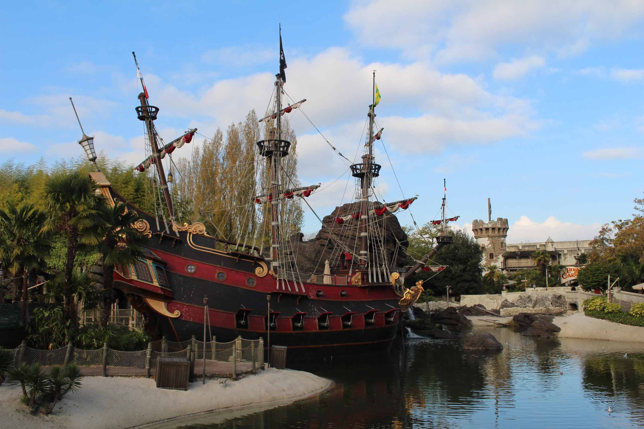 Disneyland Paris, Piratas del Caribe