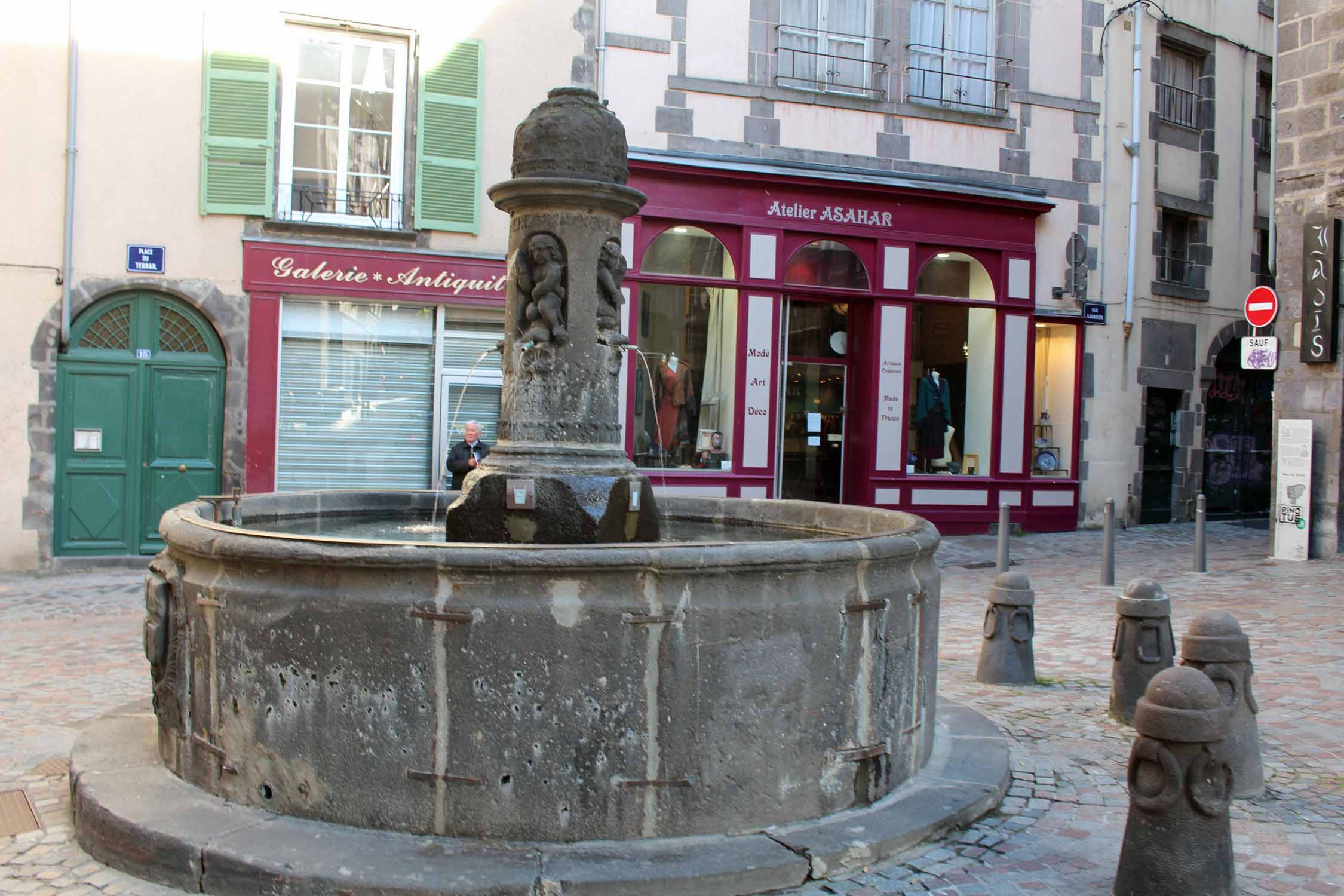 Clermont-Ferrand, fountain of Terrail