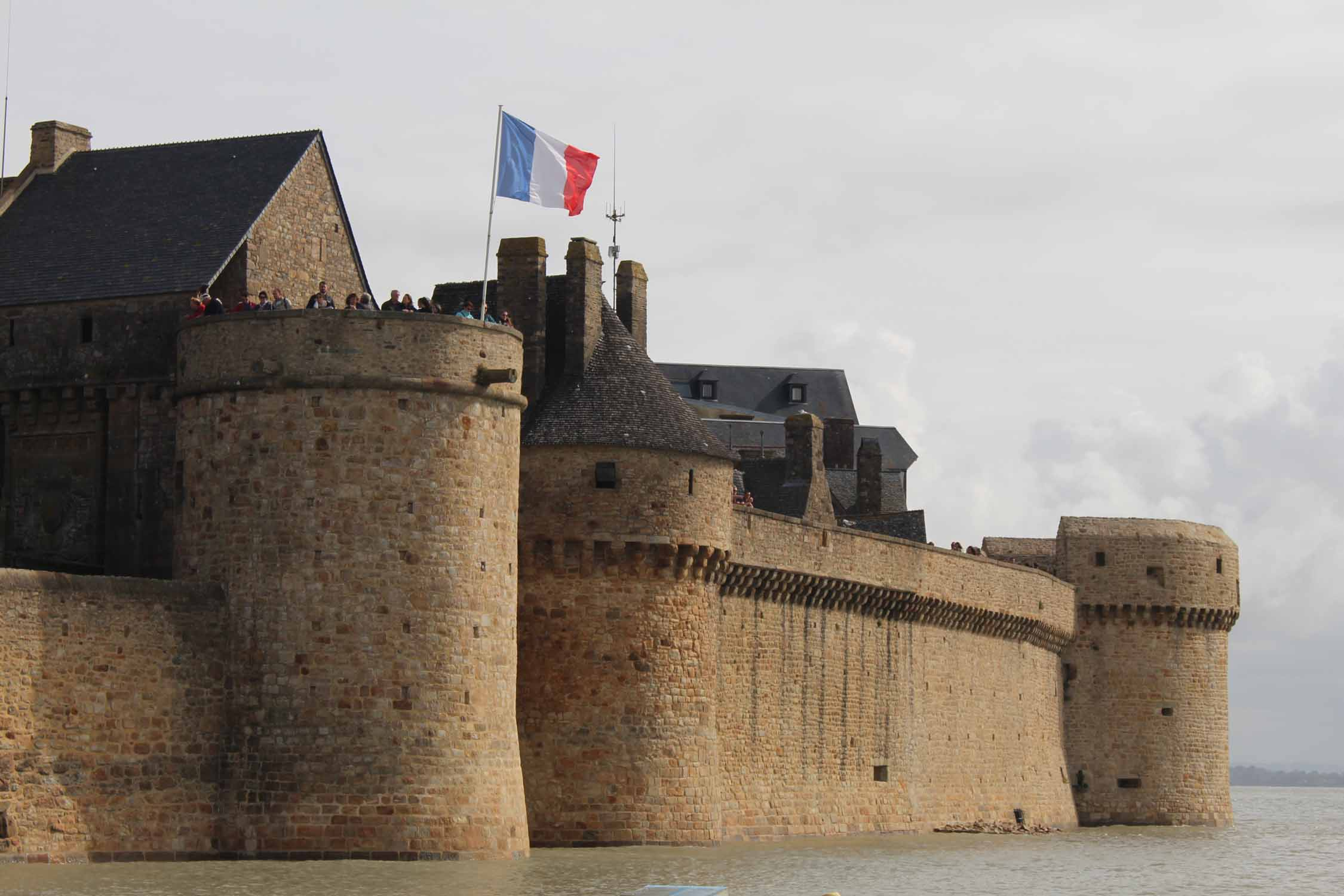 Mont-Saint-Michel, walls