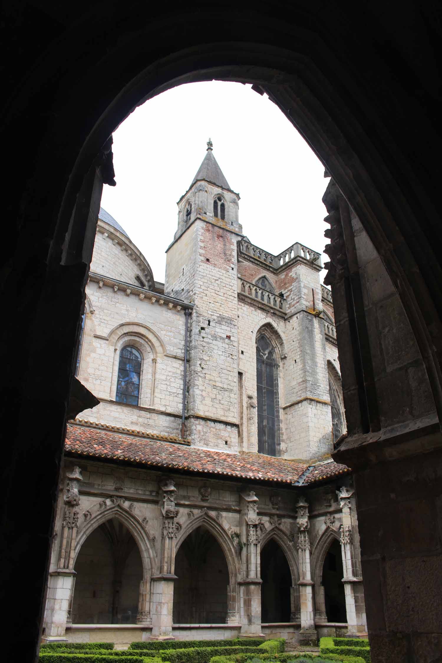 Cahors, Saint-Etienne cathedral, cloister