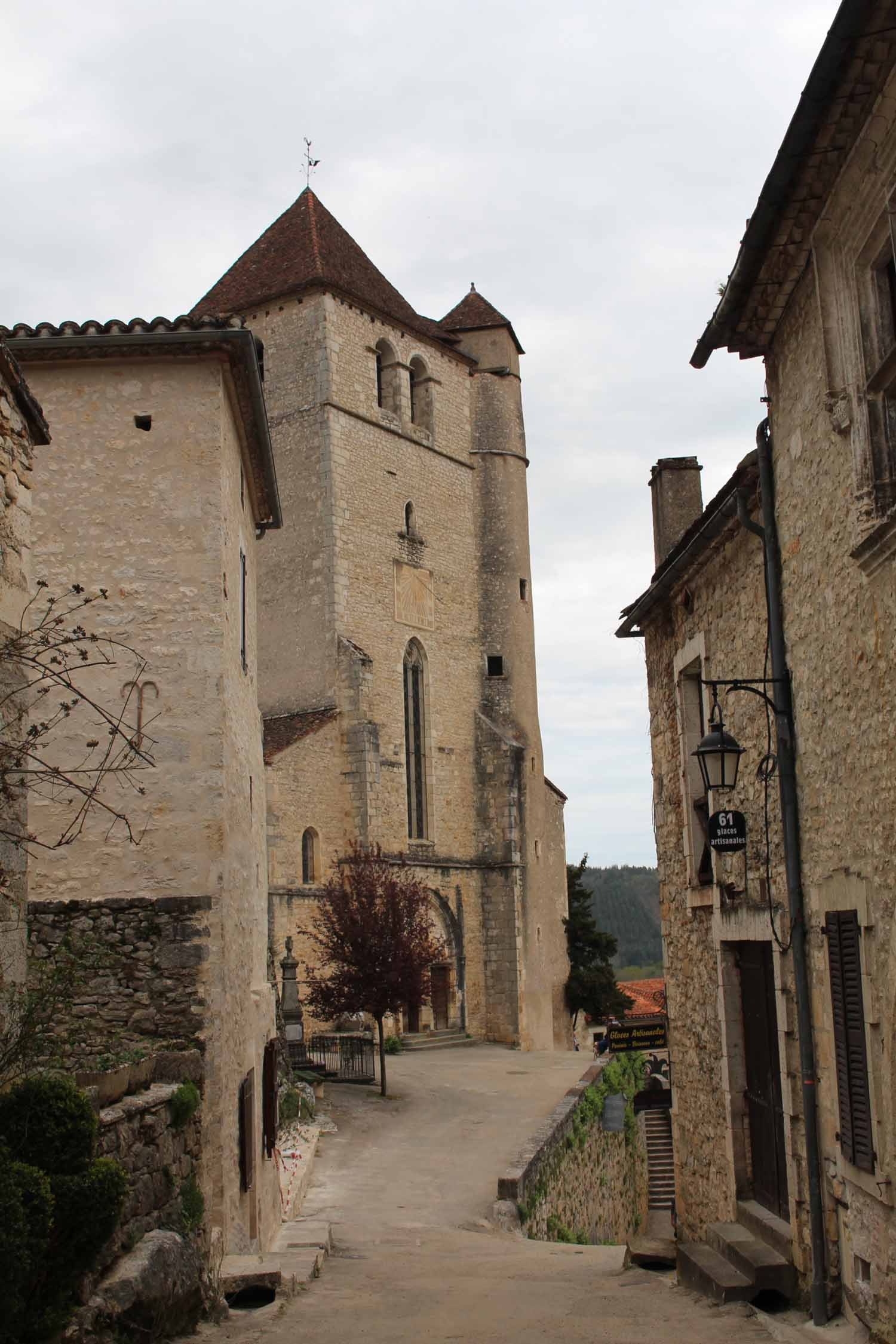 St-Cirq-Lapopie, church