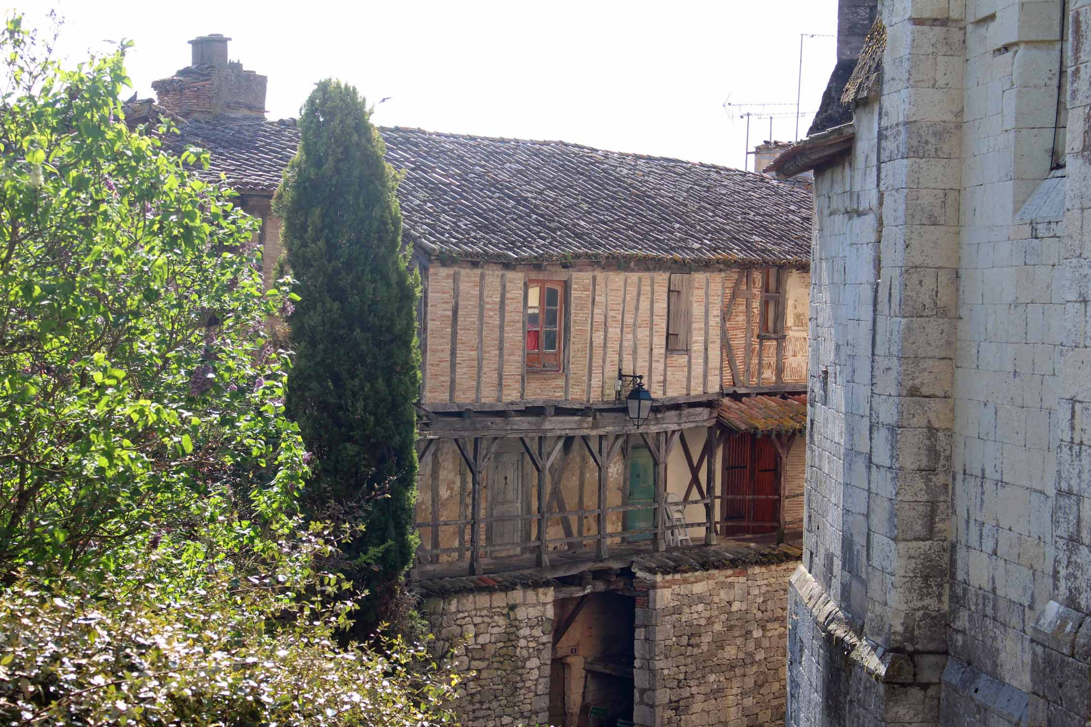 Montpezat-de-Quercy, typical house