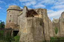 Hunaudaye castle