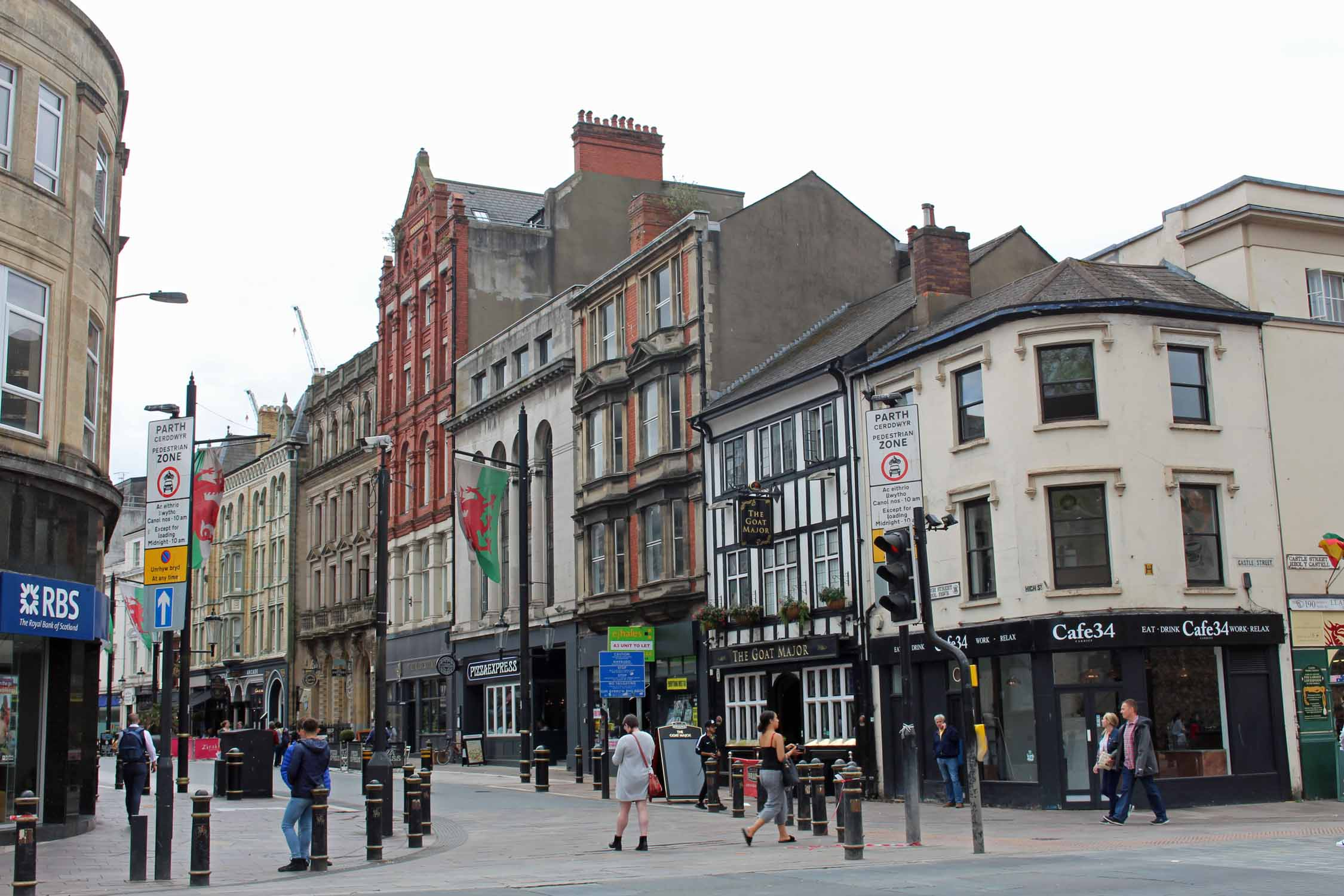 Gales, Cardiff, calle commercial, High Street