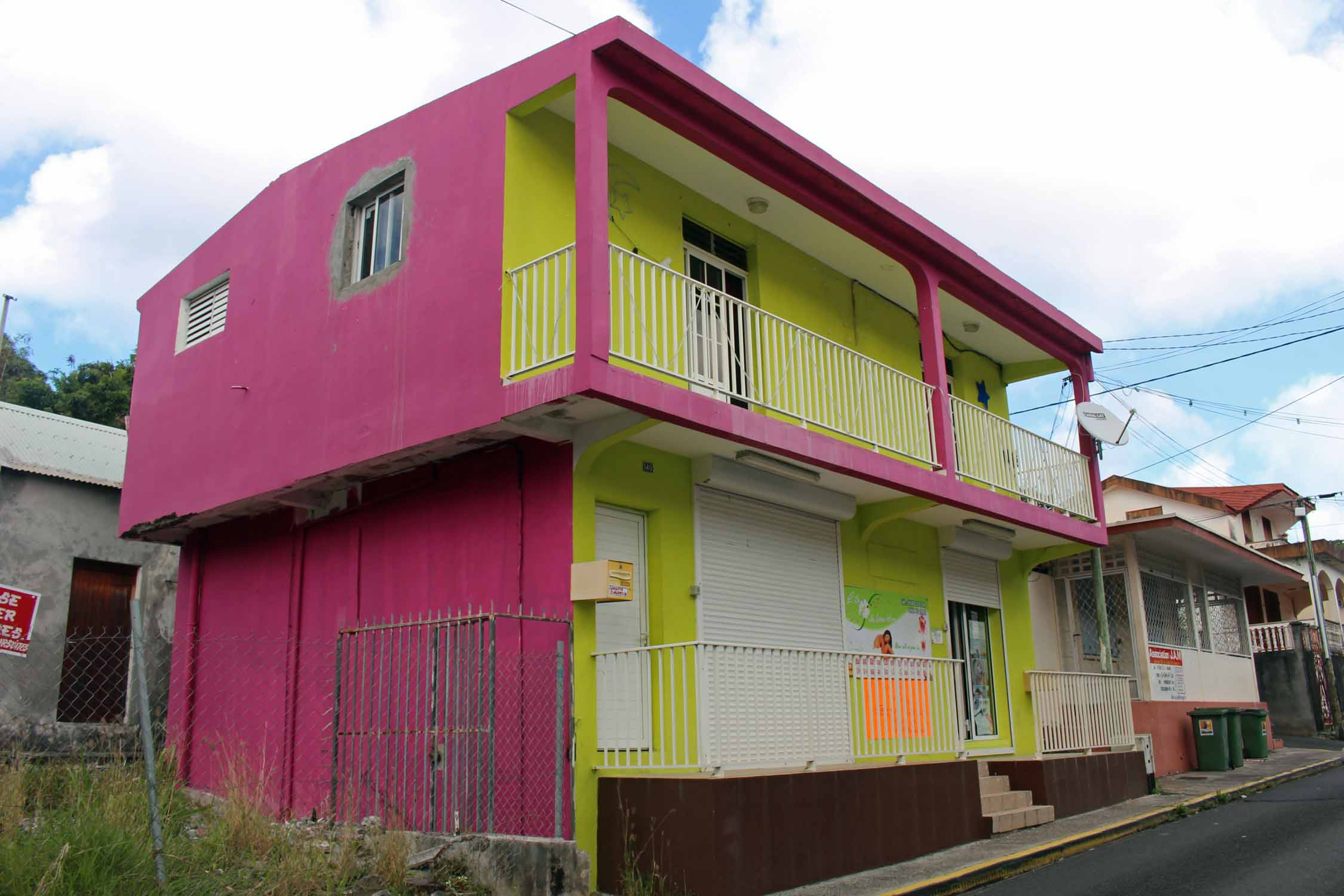 Guadeloupe, Pointe-Noire, coloured house
