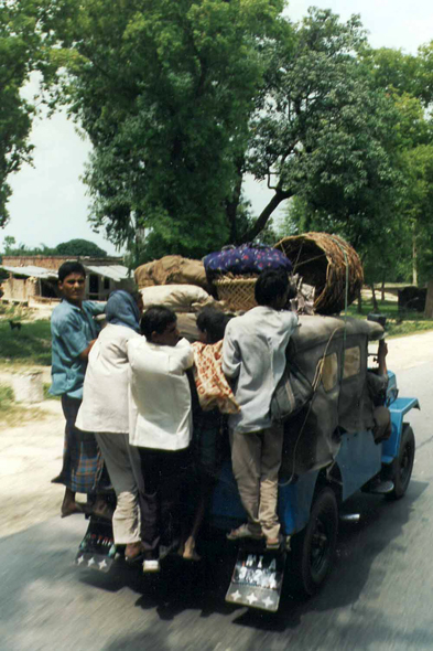 Benares, transport