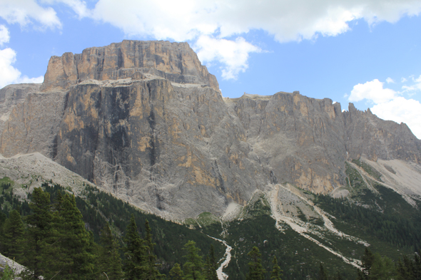 Dolomites, Sella pass