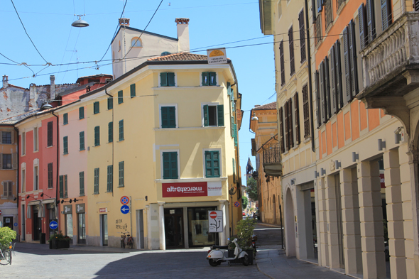 Cremona, a typical street
