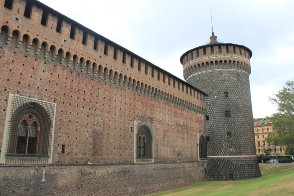 Milan, castle, ramparts